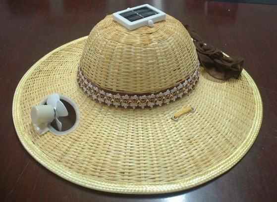 Early Morning Solar Gadget Solar Cooled Bamboo Hat The