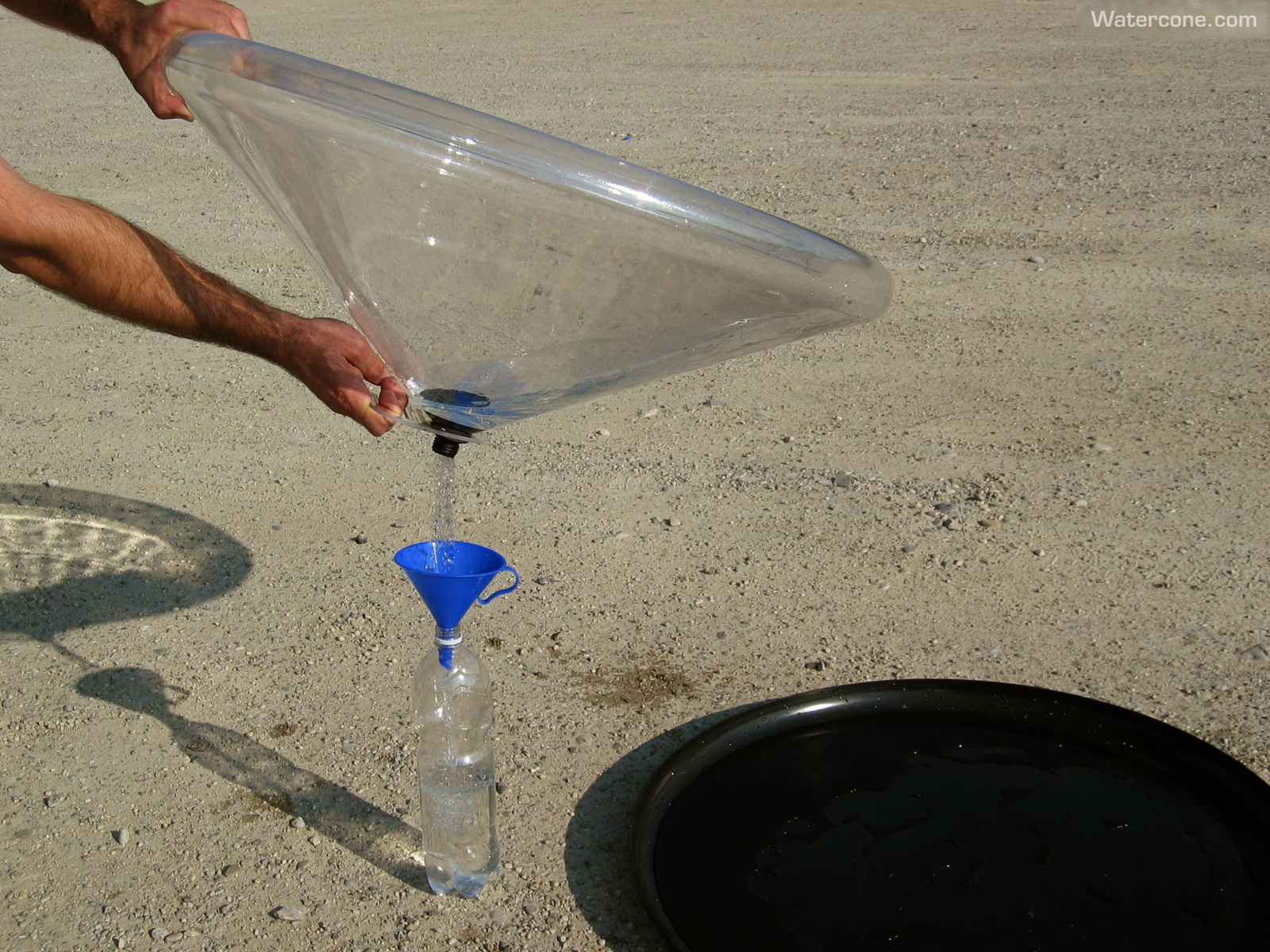 Watercone – An Ingenious Way To Turn Salt Water Into Fresh Water