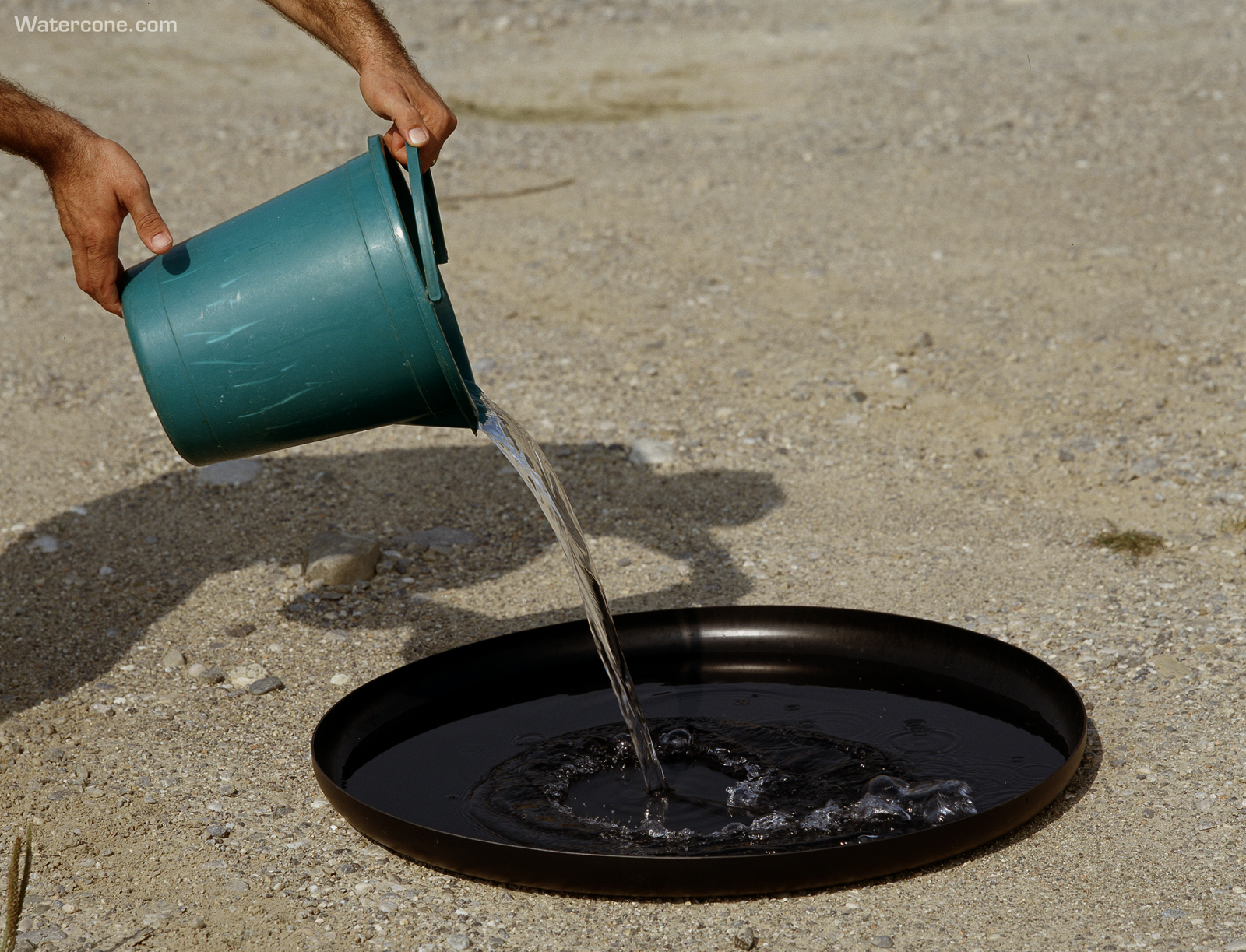 Watercone An Ingenious Way To Turn Salt Water Into Fresh